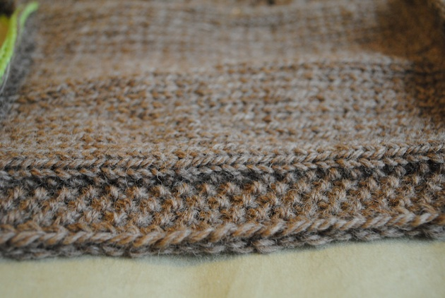 Dahlia Seed stitch edging